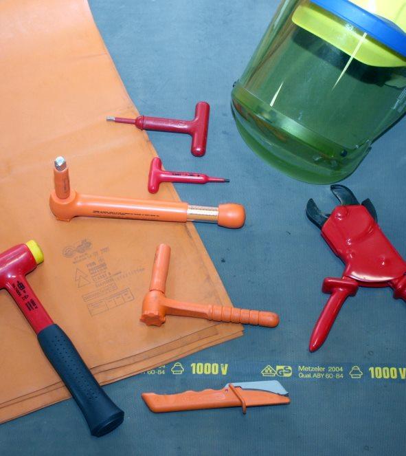 Arbeiten unter Spannung AuS (Jährliche Unterweisung)